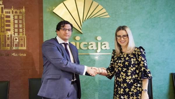 Rafael Muñoz Fundación Unicaja Y Patricia Alba Delegadad De Educación