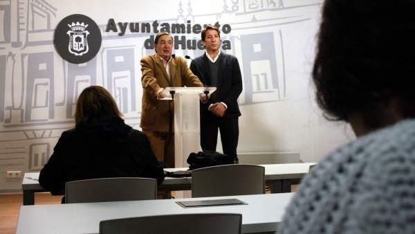 Los ediles de Ciudadanos en el Ayuntamiento Enrique Figueroa y Ruperto Gallardo.