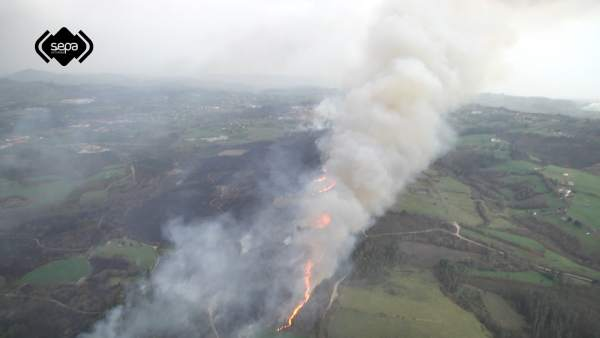 Incendio forestal en La Fresneda, Siero