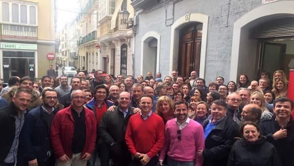 Grupo de apoyo a Susana Díaz en Cádiz