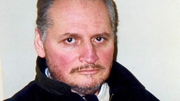 """Francia condena a """"Carlos"""" a cadena perpetua por un atentado en 1974 en París"""