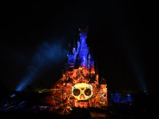 Calavera pirata en Disneyland París
