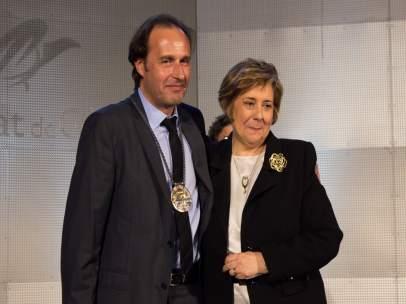 El nuevo rector de la UdG, Sergi Bonet, y su antecesora, Anna Maria Geli