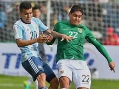 Argentina echa de menos a Messi y cae en Bolivia