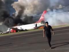 Un avión con 141 pasajeros se incendia en Perú durante el aterrizaje