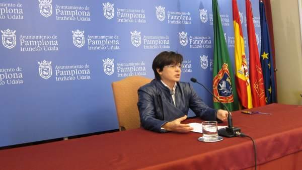 La concejal de I-E en Pamplona, Edurne Eguino, en rueda de prensa