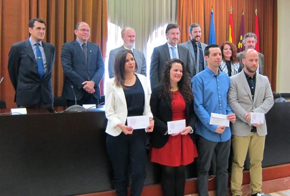 Hospital mesa del castillo y becas fertilidad roca premian for Servicio tecnico roca murcia