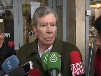 El exministro José Luis Corcuera se da de baja en el PSOE por la victoria de Pedro Sánchez