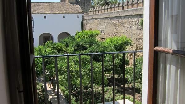 Uno de los patios del Alcázar