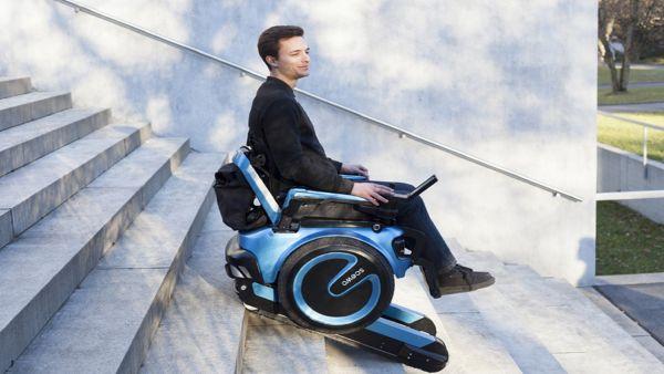 Crean una silla de ruedas que sube y baja escaleras for Silla que se hace escalera