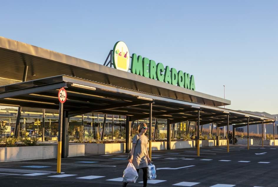 Mercadona crea 96 empleos fijos y compra 270 millones de