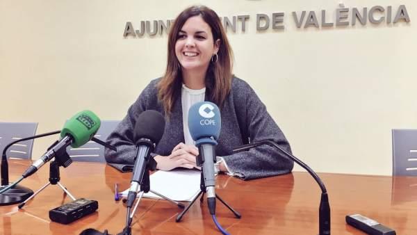 La prohibició d'aparcar en el carril-bus a les nits enfronta al PSPV i Compromís a València