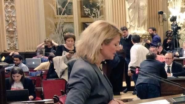 Núria Riera en el Parlament