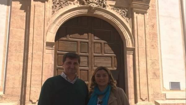 La diputada María López Asensio, junto al alcalde de Oria, Marcos Reche.