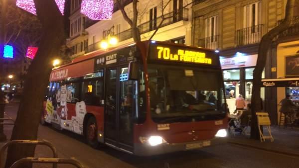 """Puig demana """"no prendre decisions unilaterals"""" respecte a la prohibició d'aparcar en el carril bus de nit a València"""