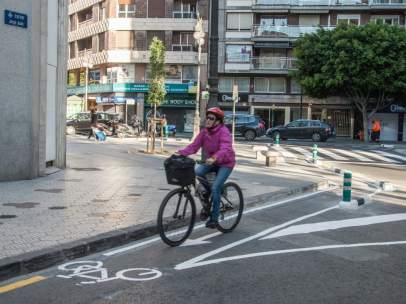Tramo de carril-bici en el centro de València