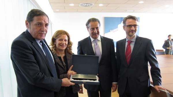Entrega del Premio BIC a la Unidad de Hepatología del HURH de Valladolid