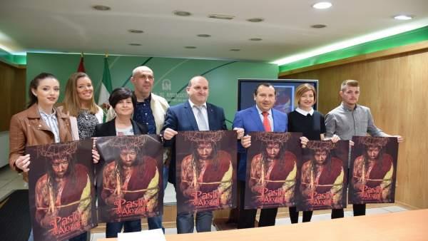 Ruiz Espejo en la presentación Pasión de Alozaina
