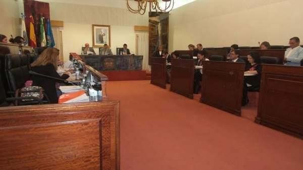Pleno de la Diputación de Huelva del mes de abril.