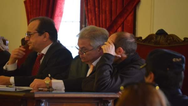 León: el acusado en el juicio (1D)
