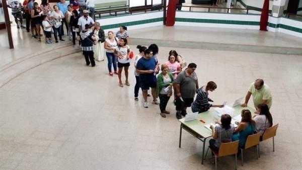 Almenys 181 centres de la Comunitat voten a favor d'implantar la jornada contínua