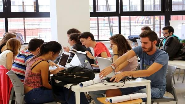 Estudiantes de arquitectura de la uma proyectan un centro de acogida a refugiados en el puerto - Ets arquitectura malaga ...