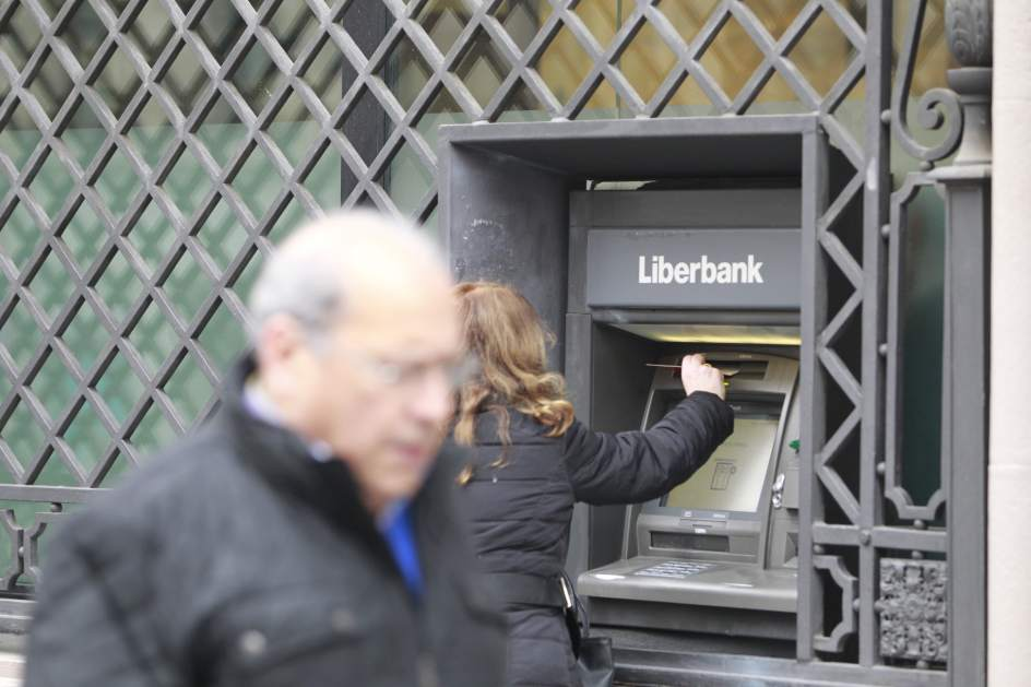 Casi medio centenar de oficinas rurales de liberbank opera for Oficina virtual medio rural