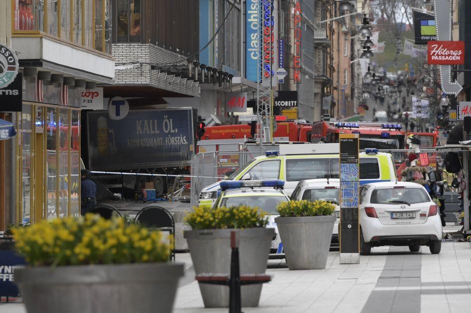 Atentado en Estocolmo. Vista de la calle comercial de Drottninggatan, en el centro de Estocolmo (Suecia), donde un camión arrolló a varias personas.