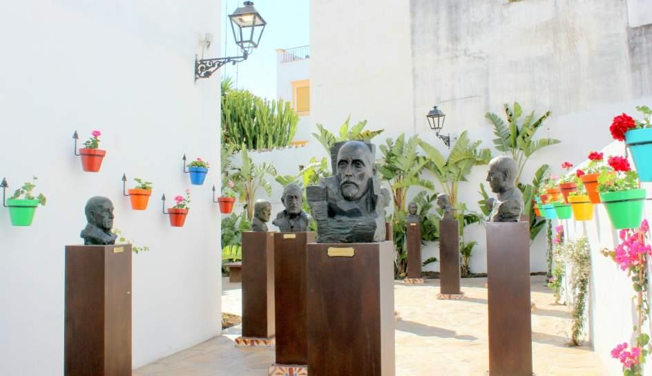 Estepona crea el 39 jard n de los poetas andaluces 39 dentro for Centro de salud ciudad jardin almeria