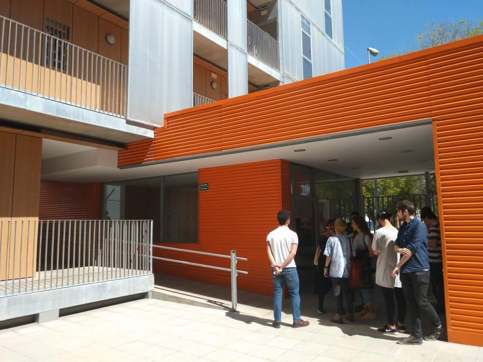 Estudiantes de arquitectura de la universidad de sevilla conocen los alojamientos protegidos de - Arquitectura tecnica sevilla ...
