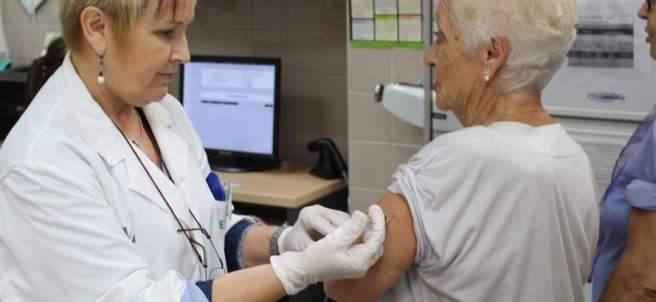 La Generalitat ha contratado más enfermeros, sanitarios y celadores