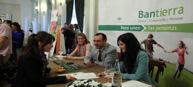 Bantierra da a conocer su programa de pr cticas a for Pisos bantierra