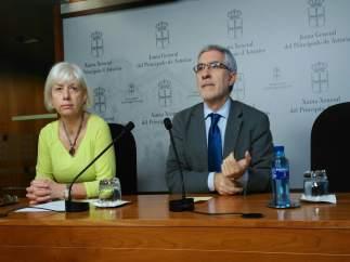 Concha Masa y Gaspar Llamazares.