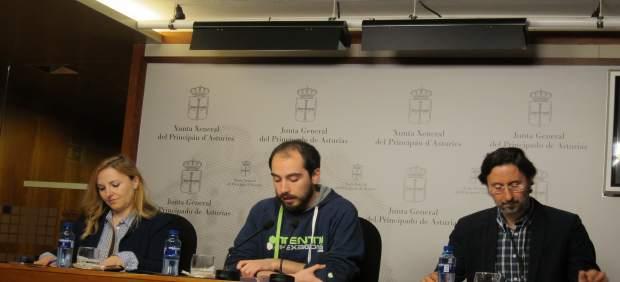 Nuria Menéndez, Héctor Piernavieja y Benito Aláez