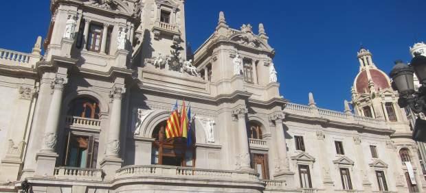 L'Ajuntament arxiva els expedients de funcionaris i assessors del PP per Taula