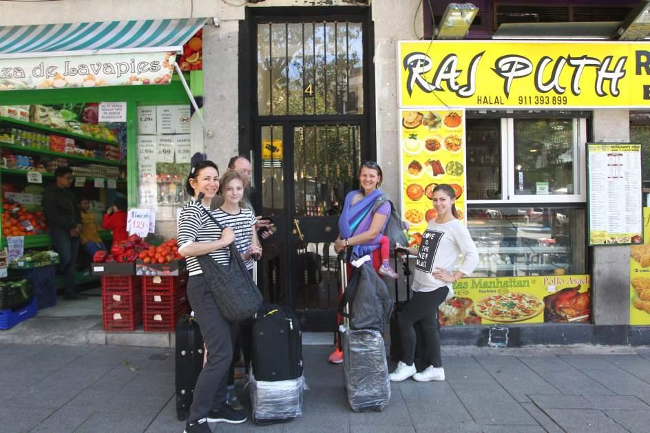 Fotos lavapi s el barrio hotel de madrid im genes for Piso turistico madrid