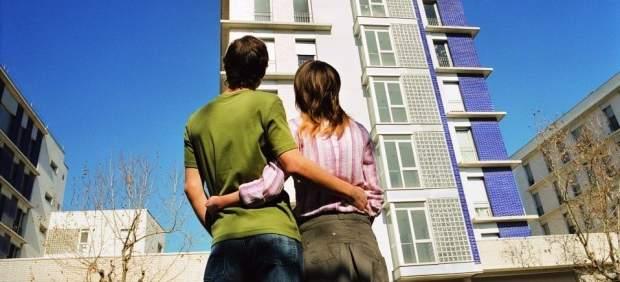 Los españoles destinan 7,6 años de sueldo a comprar una casa