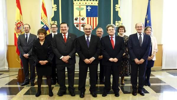 El presidente de Aragón y los nuevos miembros del Consejo Consultivo