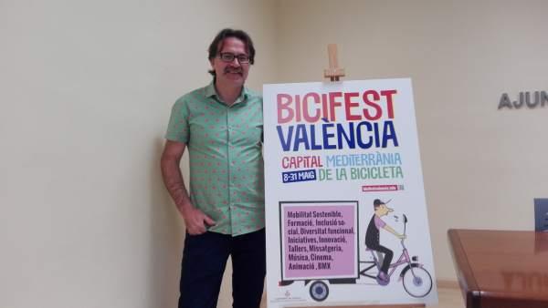 El concejal Giuseppe Grezzi en la presentación de Bicifest València