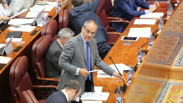 El consejero Rafael Van Griekencc