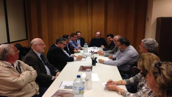 """Mesa per l'Educació demana reunir-se amb Méndez de Vigo perquè l'educació està """"seriosament en perill"""" a la Comunitat"""