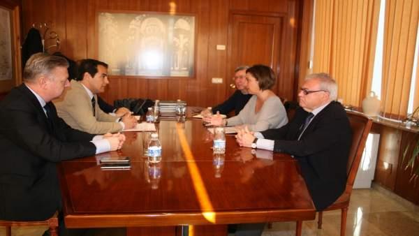 Reunión entre José Antonio Nieto e Isabel Ambrosio