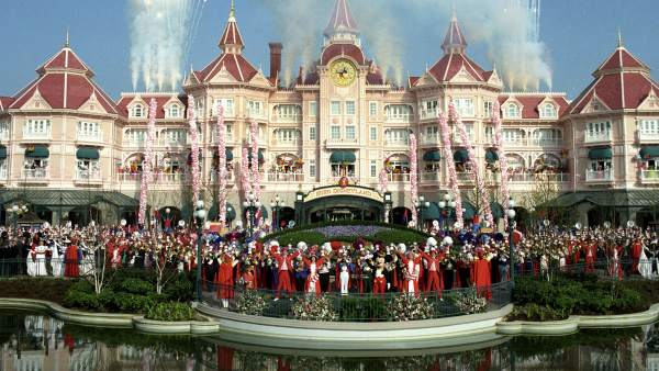 Inauguración de Disneyland