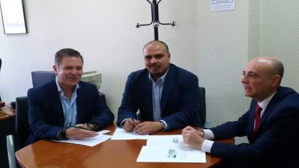 AECO con el jefe de Inspección de Trabajo en Huelva, Luis Roda.