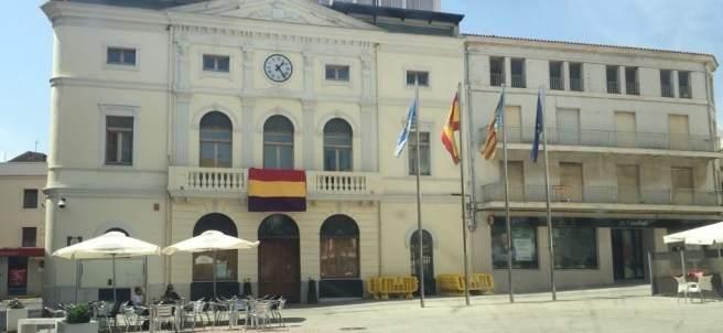 El Ayuntamiento de Tavernes exhibe la bandera republicana