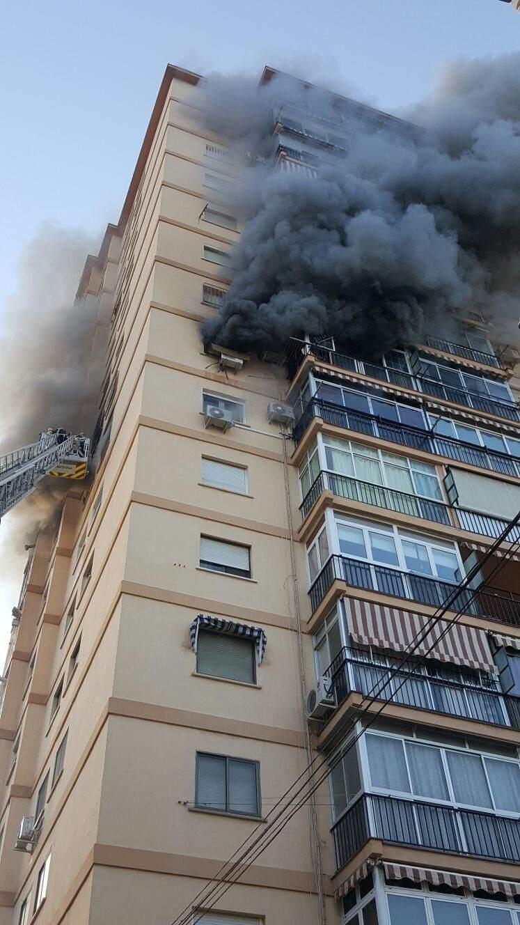 Muere una persona tras un incendio en ciudad jard n - Ciudad jardin malaga ...