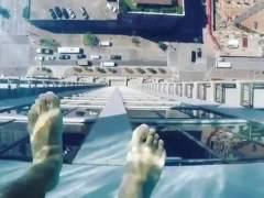 Un rascacielos de lujoimpresiona con una acongojante piscina de vértigo