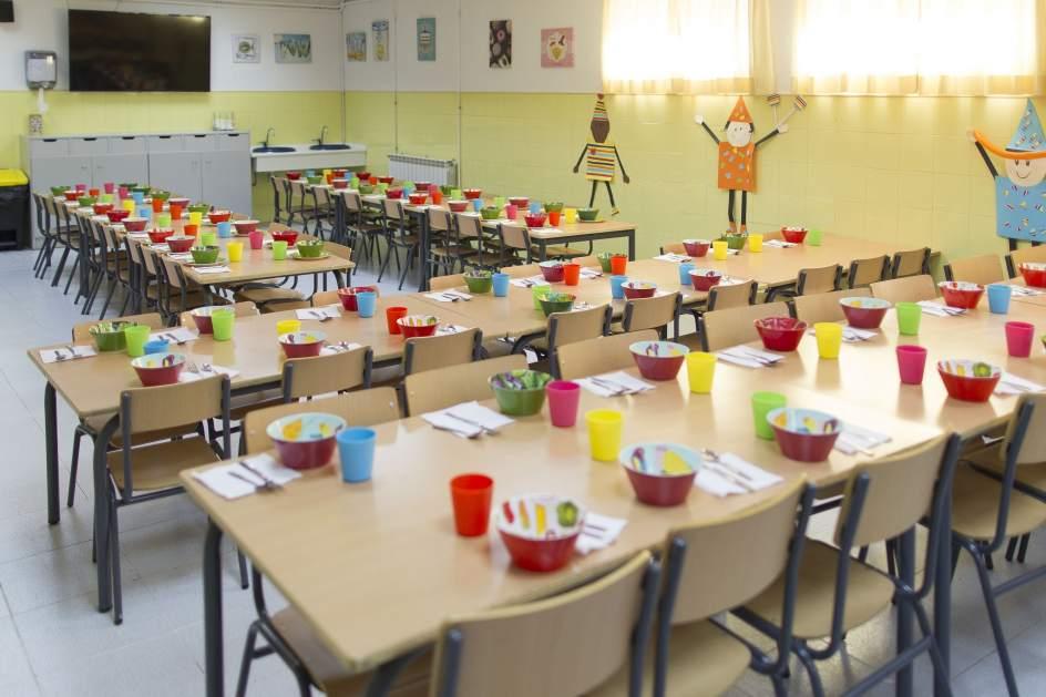 Se multiplican por 20 los men s escolares adaptados por for Cafeteria escolar proyecto