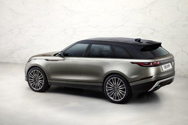 Range Rover Velar . El fabricante inglés de automóviles ha vuelto a presentar el Range Rover Velar ya visto en el Salón de Ginebra. Este vehículo estará a la venta después del verano.Más información del Range Rover Velar.