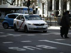 El PSOE propone un plan de prejubilaciones para los taxistas